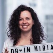 Dr.*in Miriam Mauritz